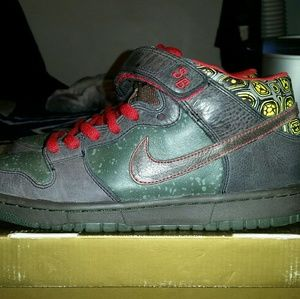 "Nike SB Dunk Mid • ""Moat"" • Size 8.5"